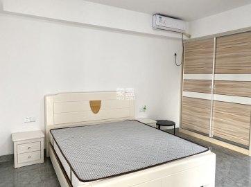 步步高新天地   精装公寓  居家** 拎包入住  随时看房