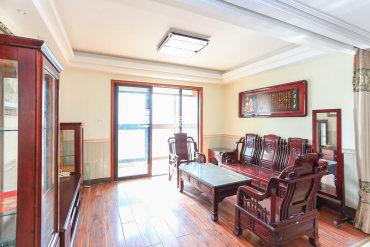 别墅小区南山苏迪亚诺洋房  4室2厅2卫仅售110万