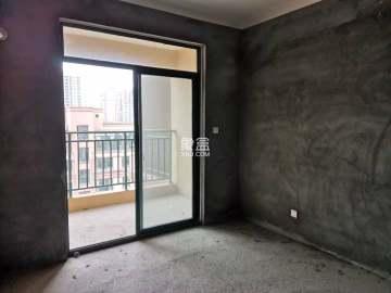 宏宇新城巴萨名门南区  4室2厅2卫    103.0万