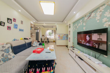 山语城  3室2厅1卫    85.0万