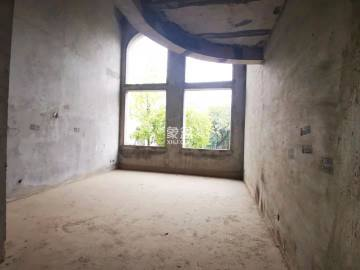 东湖山庄  6室3厅3卫    348.0万