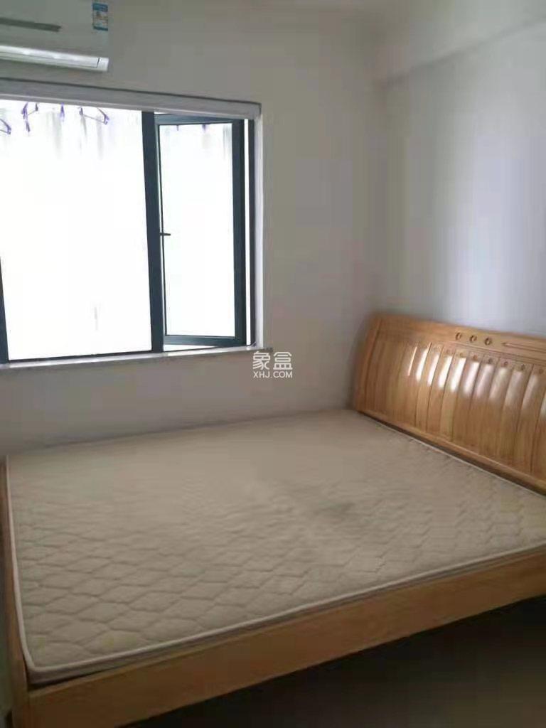 梓山湖领御  2室2厅1卫    2300.0元/月