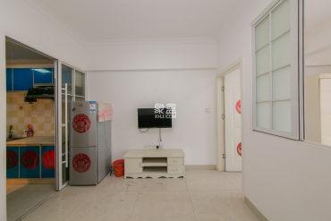 芙蓉中路 开福寺 湘雅附一旁 精装一室一厅 带小阳台