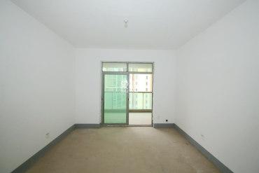 新城新世界便宜的一套房源98万可售。房东诚心卖满五,可省个税