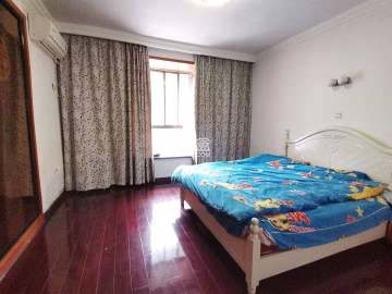 慧泽园  4室2厅2卫    95.0万