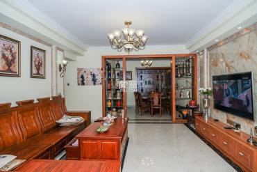 全新大4房,拎包入住,新中式风彰显品质和格调