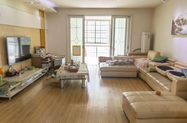 紫金花园  4室2厅2卫    135.0万