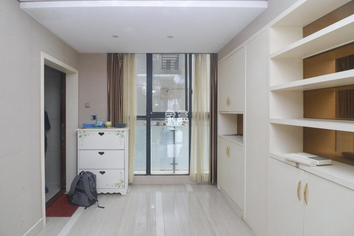 高鑫麓城品质三房  随时看房 房东急售