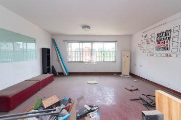 大众传媒教师公寓  4室2厅2卫    130.0万