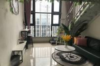 保利绿地大都汇 两室一厅一卫 价格美丽 拎包入住