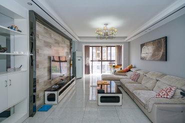 居家婚房精装,拎包入住,近地铁,业主诚心出售