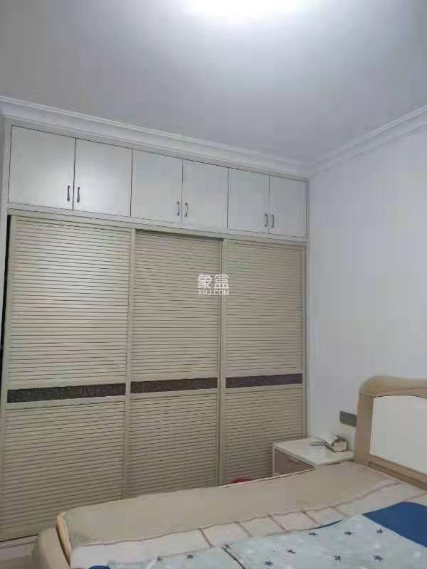 梓湖东城  1室1厅1卫    1000.0元/月