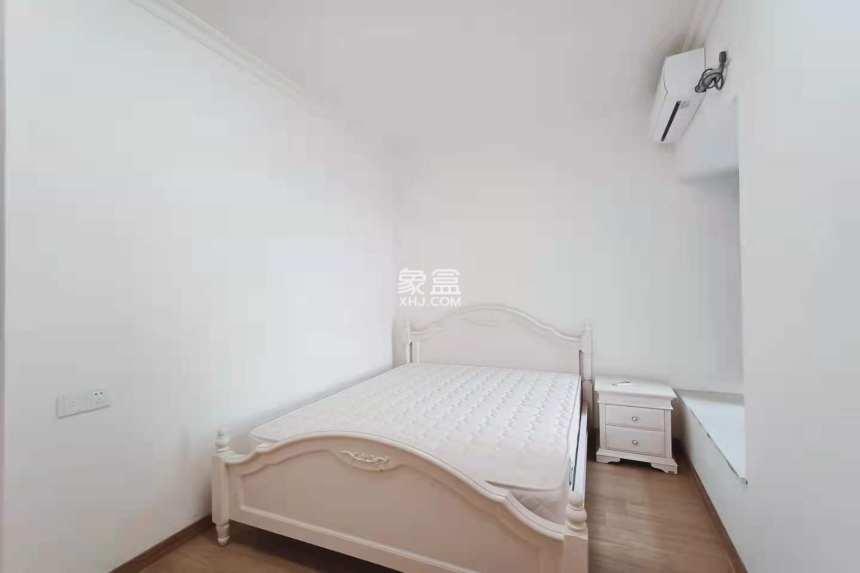 碧桂园  3室2厅2卫    2000.0元/月
