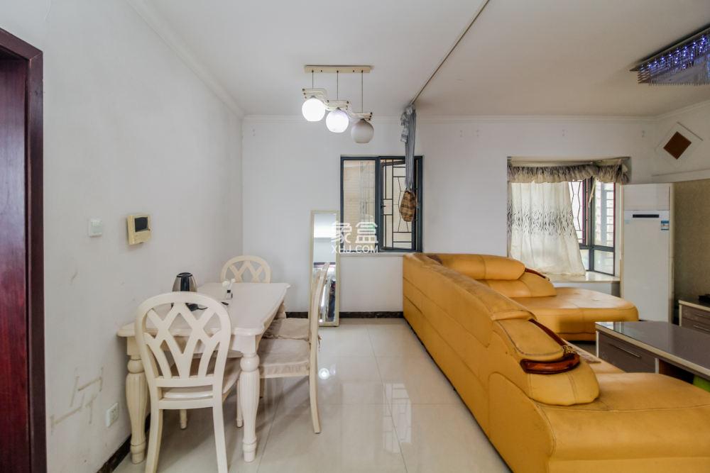 中国铁建国际城  3室2厅1卫 72万 均价八千买品质楼盘