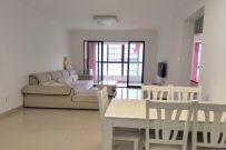 急租境界城精装2房,自住装修,交通便利,周边配套设施齐全。