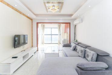 达美D6区  商业性质 精装大二房   现出租中 诚售!