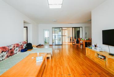 海洋半岛(月珑湾)  3室2厅2卫    160.0万