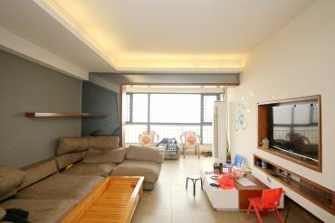 上海城小区  4室2厅2卫    136.0万