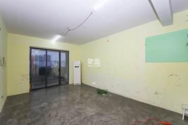 精装三房 安静舒适 中间楼层 采光好 拎包入住 房东大气随后