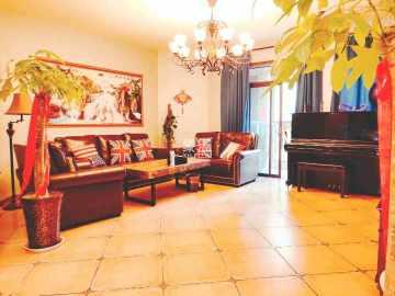 兰乔圣菲  5室2厅2卫    450.0万