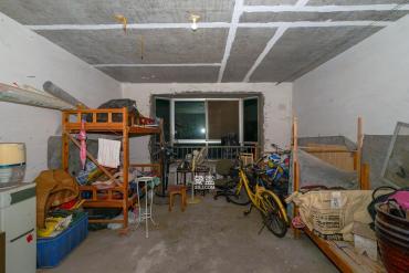 金秋小区  3室2厅2卫    115.0万