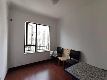 中海国际  4室2厅2卫    2500.0元/月
