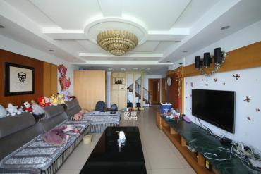 德政园  5室2厅2卫    139.8万