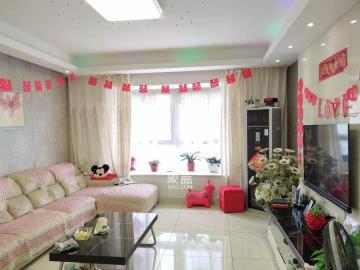 **5线百江花园附近   电梯精装修4房  单价5980元