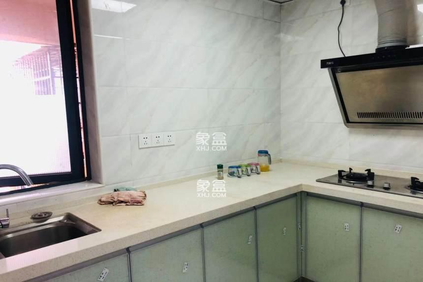 临沙湾公园 枫树山小学 武广美誉精装两房全新精装修,拎包入住