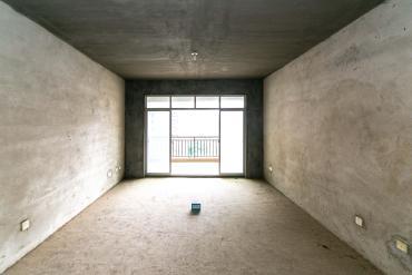 白沙湾嘉园  3室2厅2卫    135.0万