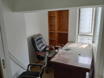 东湖春树里  1室1厅1卫    4200.0元/月