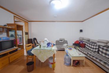 红旗综合安置楼  2室2厅1卫    75.0万
