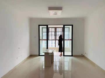 梅溪湖金茂悅,三房一衛,近地鐵口,小區設施完善,房間無異味