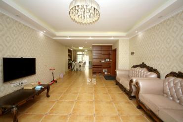 宏聚地中海  4室2厅2卫    168.0万