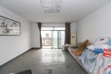 西湖公園 大平層7房 適合3代同堂 其樂融融