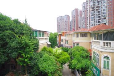 珠江花园 独栋别墅 前后带大院子