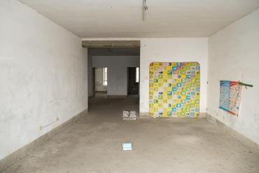楚天馨苑  4室2廳2衛    125.0萬