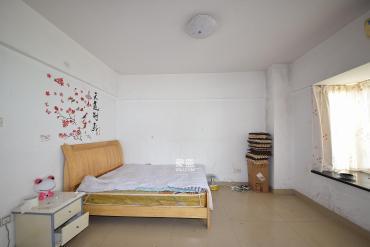東方公寓  1室1廳1衛    42.0萬