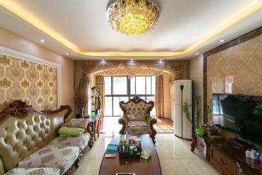 沙灣公園后門直達 2.4號線雙地鐵口 居家婚房裝修 誠心出售