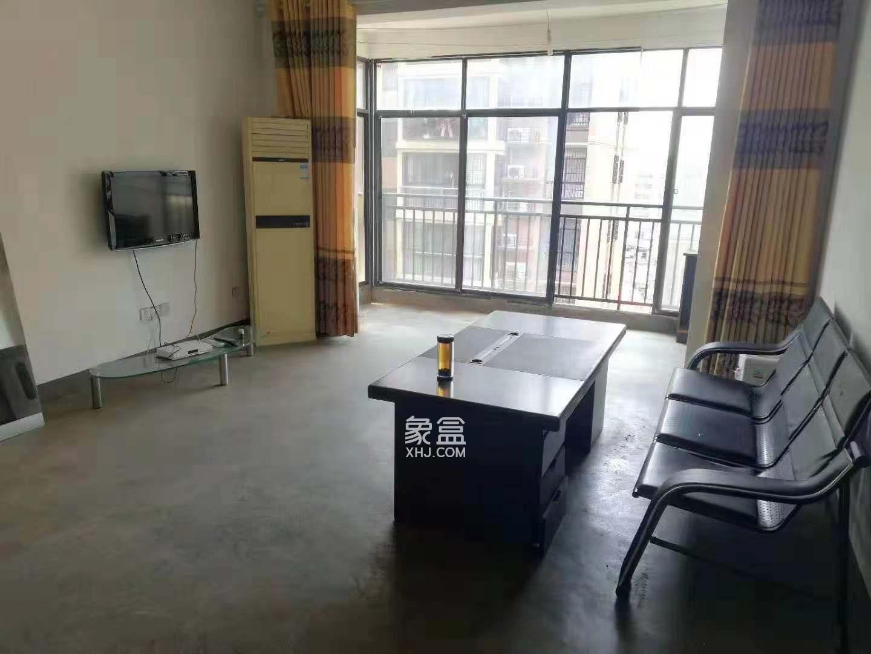 霞光山庄北苑  3室2厅2卫    1800.0元/月