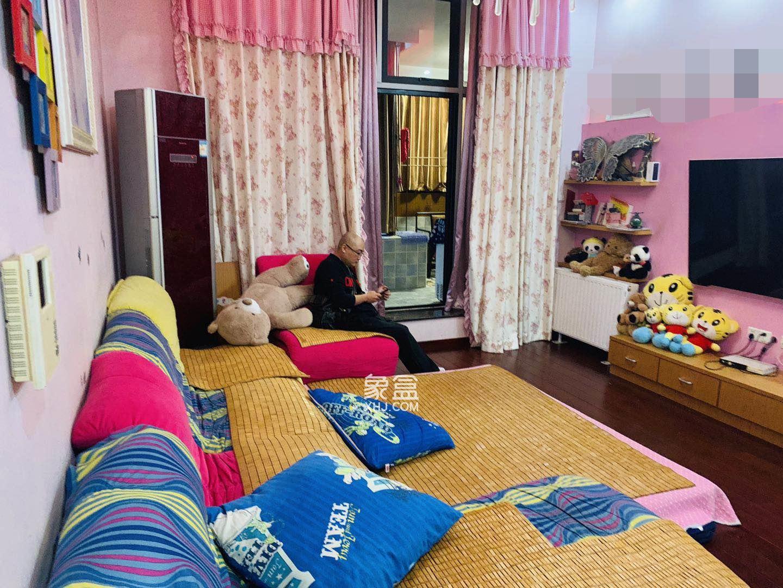 西街花园  2室2厅2卫    162.0万