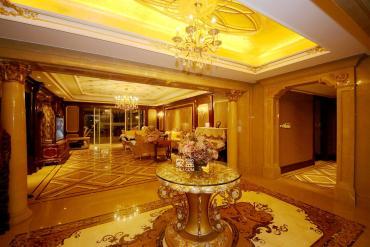 万达公馆  4室2厅2卫    580.0万