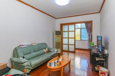 望月湖小區,地鐵口旁,精裝修的3房2廳,出行便利,非常宜居