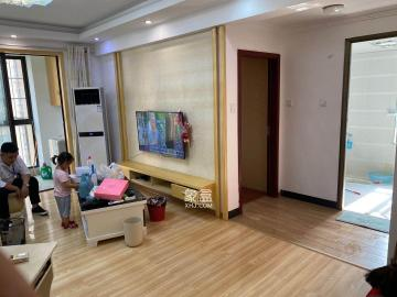华润凤凰城三期  2室2厅1卫    2000.0元/月