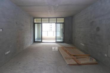 绿地中央广场  3室2厅1卫    185.0万