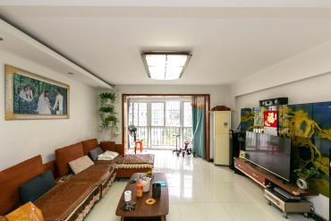 香河公寓  3室2厅2卫    122.0万