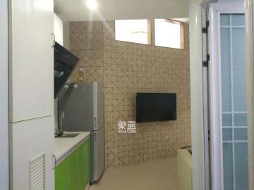 房干净整洁,温馨舒适,窗明几净,就等着您的拎包入住
