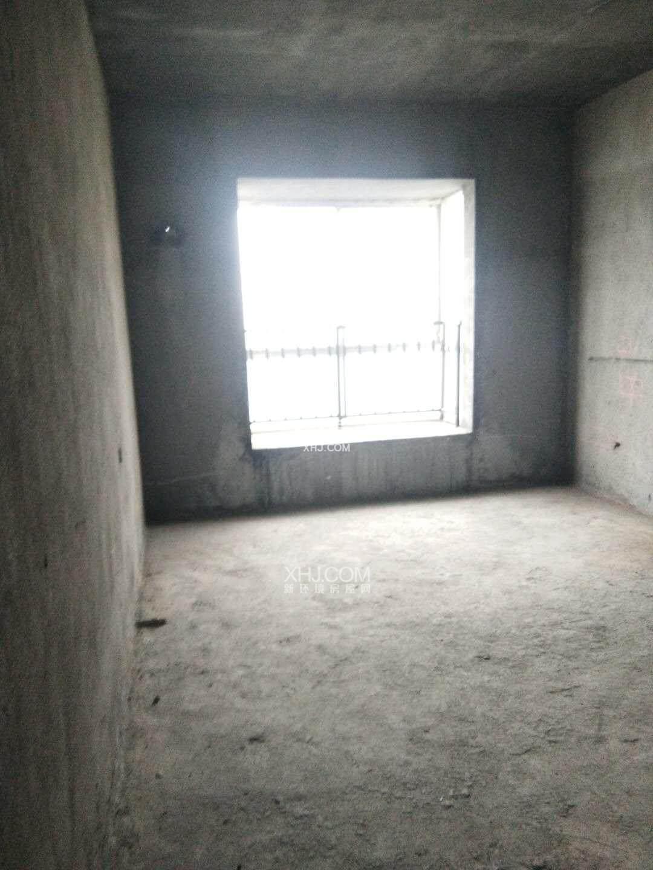 提香庄园  4室2厅2卫    70.0万