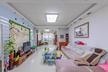 東湖小區安置房  4室2廳2衛    142.0萬