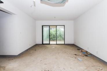 莱茵城  3室2厅1卫    125.0万